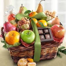 Gourmet Fruit Baskets Best 25 Fruit Gift Baskets Ideas On Pinterest Fruit Basket
