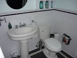 1920s bathroom decor