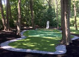 15x28 ft backyard putting green with 5 golf holes