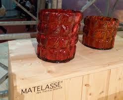 porte seau a champagne sur pied vase matelasse seau à glace corbeille rouge transparent kartell