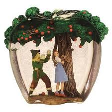 wizard of oz dorothy and scarecrow apple tree statue wizard of