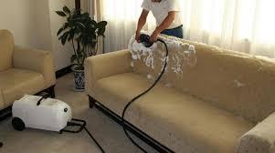 produit pour nettoyer canapé comment nettoyer un canapé en microfibre