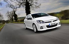 vauxhall white vauxhall astra vxr 2005 2010 photos parkers