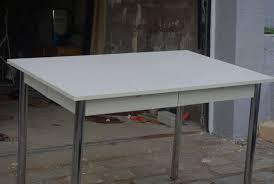 table blanche de cuisine table de cuisine avec tiroir ikea maison design bahbe com
