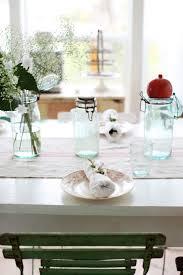 simple christmas table settings dreamy whites a simple christmas table setting
