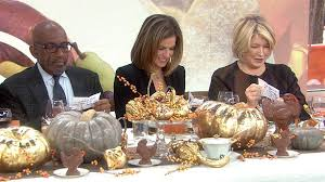 martha stewart shares 5 thanksgiving hosting tips and