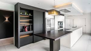 caisson cuisine discount cuisine laqué blanc et placage bois plan de travail en quartz