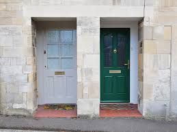 painting your front door the easy way the diy village paint your front door its amazing what a little color can do