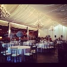 tenture plafond mariage décoration du plafond avec des leds décoration forum mariages net