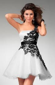 black and white dresses one shoulder with black lace decoration black and white