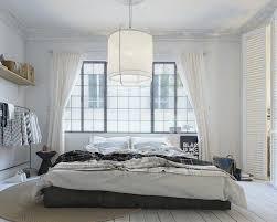 tapis de chambre adulte design interieur chambre adulte blanche plancher rideaux volets