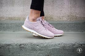 Nike Womens nike s internationalist se particle vast grey 872922 602