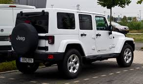 modified white jeep wrangler file jeep wrangler unlimited 2 8 crd sahara jk u2013 heckansicht 25
