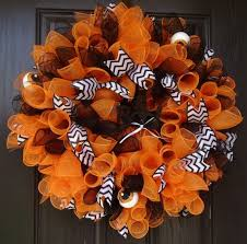 white deco mesh 379 best wreath ideas images on wreath ideas