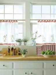 Kitchen Window Curtain Ideas by 14 Diy Kitchen Window Treatments Cafe Curtains Towels And Cafes