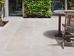 Limestone Patios Best 25 Limestone Paving Ideas On Pinterest Fence Lighting