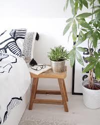 Wohnzimmer Einrichten Pflanzen Frühling Im Schlafzimmer Hocker Holz Schlafzimmer Dekorieren
