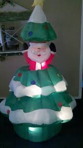 Easter Yard Blow Up Decorations by Christmas Inflatable Airblown Blow Up Gemmy Santa In A Tree