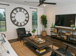 Family Room Vs Living Room by A Must See Fixer Upper Reno Rustic Barn Doors And A Barn To Go