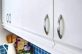 how to paint melamine kitchen cupboards 80s kitchen update reveal the handyman s