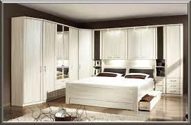 Dekoration Schlafzimmer Modern Schockierend Schlafzimmer Mit überbau Ueberbau Schlafzimmer Weiß
