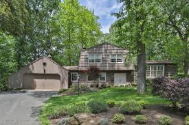 15 Old House Lane Chappaqua Ny Local Real Estate Homes For Sale U2014 Lincroft Nj U2014 Coldwell Banker