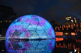 7 000 recycled plastic bottles create a mega lantern tolight up