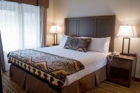 rooms at cedar creek lodge fireplace suite bedroom