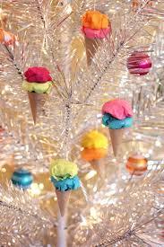 diy tree ornaments 15 joyful and simple ideas