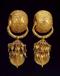 s gold earrings korea these thick gold earrings were found in bubuchong of