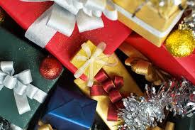 modern presents with decorations photo premium