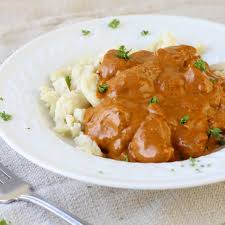 hungarian chicken paprikas with homemade spaetzle