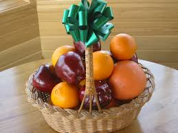 how to make a fruit basket fruit baskets are easy to sell to businesses