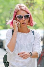 hair color kelly ripa uses kelly ripa debuts pink hair on live and reveals she wants to go