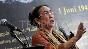 Puisi Sukmawati Kontroversi Puisi Sukmawati Soekarnoputri Guntur Angkat Bicara