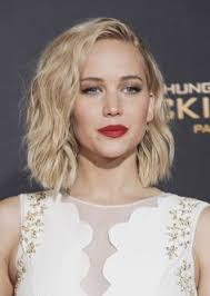 hambre hairstyles oops jennifer lawrence trips again jennifer lawrence red