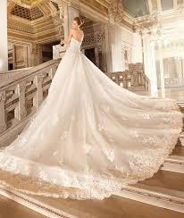 30 oh so beautiful wedding dress trains