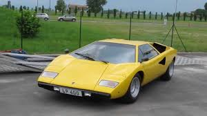 yellow lamborghini countach lamborghini countach lp400 1120002 driving off youtube
