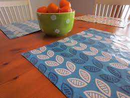 bean workshop wipeable and reversible placemat tutorial