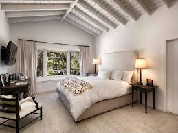 ellen degeneres home decor ellen and portia sell thousand oaks horse ranch for 10 85 million