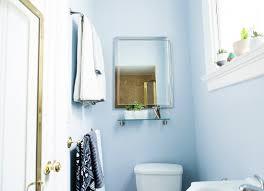 renters rejoice 2 ways to transform your itty bitty bathroom