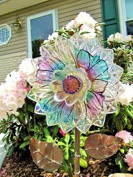 1662 best garden totems and plate flowers images on pinterest