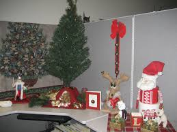 brilliant 30 christmas office decorating themes design