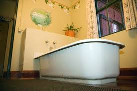 How To Replace A Bathtub How To Install A Bathtub On A Cement Floor Hunker