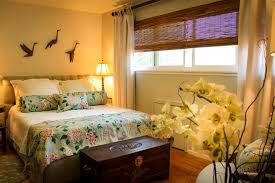 Bedroom  Stunning Yellow Wall Paint Color Ideas For Master - Flower designs for bedroom walls