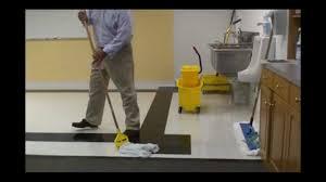 how to d mop floors