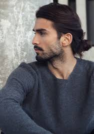 long curly hair style for lawyer are there any exles of male lawyers with long hair who aren t