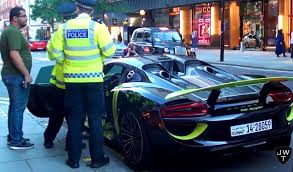 electric porsche 918 porsche 918 spyder vs london police