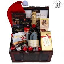 gift baskets for christmas moet gift basket christmas delivery israel jerusalem tel aviv haifa