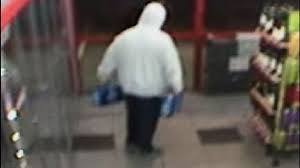 how much is a 18 pack of bud light platinum caught on video beer thieves steal two 18 packs of bud light kboi